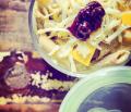 Przepis na aromatyczne - Penne z dynią smażoną na lekkim masełku z cynamonem, wędzonym serem i żurawiną.